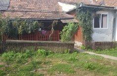 Casa la 25 km de Zalau langa Crasna